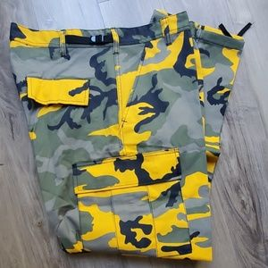 Other - Men's camo cargo battle dress uniform